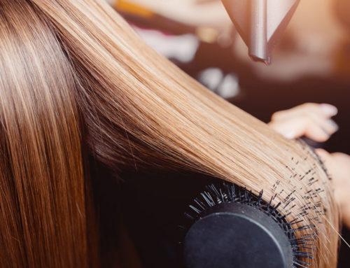 Haarglättung mit Keratin