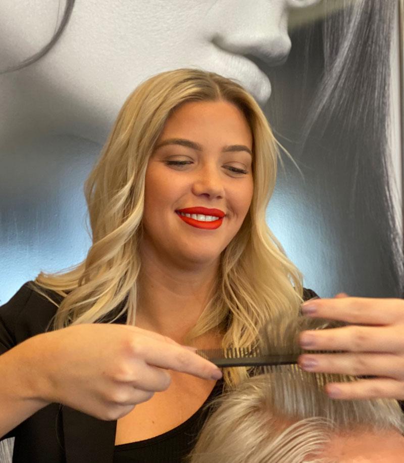 Laura Mickartz Hair